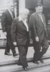 דוד בן-גוריון, ראש הממשלה הראשון של ישראל, עם פרופ' דוד גינצבור